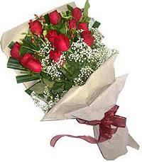 11 adet kirmizi güllerden özel buket  Kırşehir internetten çiçek satışı