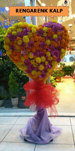 Ankara mevsim çiçeklerinden kalp perförje  Kırşehir çiçek yolla