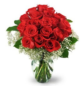 25 adet kırmızı gül cam vazoda  Kırşehir çiçekçi telefonları