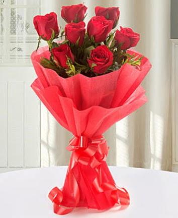 9 adet kırmızı gülden modern buket  Kırşehir online çiçekçi , çiçek siparişi