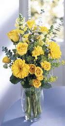 Kırşehir internetten çiçek siparişi  sari güller ve gerbera cam yada mika vazo