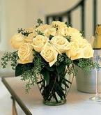 Kırşehir hediye çiçek yolla  11 adet sari gül mika yada cam vazo tanzim
