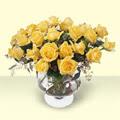 Kırşehir çiçek yolla  11 adet sari gül cam yada mika vazo içinde