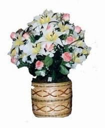 yapay karisik çiçek sepeti   Kırşehir hediye sevgilime hediye çiçek