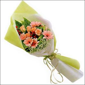 sade güllü buket demeti  Kırşehir ucuz çiçek gönder