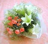 Kırşehir İnternetten çiçek siparişi  lilyum ve 7 adet gül buket