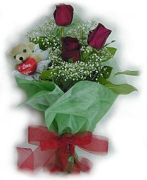 3 adet gül ve küçük ayicik buketi  Kırşehir çiçek siparişi vermek