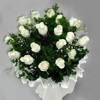 Kırşehir çiçek , çiçekçi , çiçekçilik  11 adet beyaz gül buketi ve bembeyaz amnbalaj