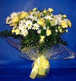 Kırşehir çiçek , çiçekçi , çiçekçilik  sade mevsim demeti buketi sade ve özel