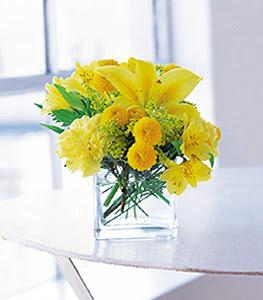 Kırşehir çiçek satışı  sarinin sihri cam içinde görsel sade çiçekler