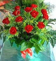 12 adet gül buketi  Kırşehir uluslararası çiçek gönderme