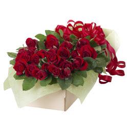19 adet kirmizi gül buketi  Kırşehir çiçek mağazası , çiçekçi adresleri