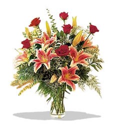 Kırşehir hediye sevgilime hediye çiçek  Pembe Lilyum ve Gül