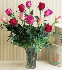 Kırşehir çiçek online çiçek siparişi  12 adet karisik renkte gül cam yada mika vazoda