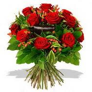 9 adet kirmizi gül ve kir çiçekleri  Kırşehir çiçekçi mağazası