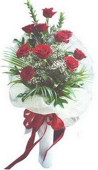 Kırşehir çiçek , çiçekçi , çiçekçilik  10 adet kirmizi gülden buket tanzimi özel anlara