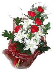 Kırşehir çiçek servisi , çiçekçi adresleri  5 adet kirmizi gül 1 adet kazablanka çiçegi buketi