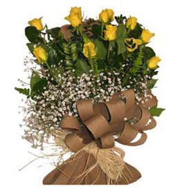 Kırşehir İnternetten çiçek siparişi  9 adet sari gül buketi