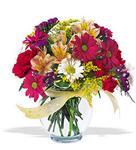 Kırşehir çiçekçi telefonları  cam yada mika vazo içerisinde karisik kir çiçekleri