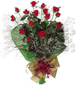 11 adet kirmizi gül buketi özel hediyelik  Kırşehir ucuz çiçek gönder