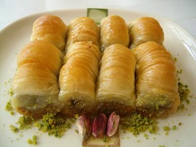 tatli gönder Essiz lezzette 1 kilo Fistikli Sari Burma  Kırşehir online çiçek gönderme sipariş