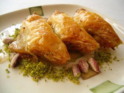 tatli siparisi Essiz lezzette 1 kilo Fistikli Söbiyet  Kırşehir 14 şubat sevgililer günü çiçek