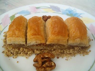 online pastane Essiz lezzette 1 kilo cevizli baklava  Kırşehir çiçek siparişi vermek