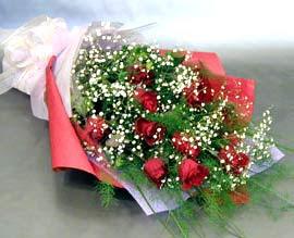 10 adet kirmizi gül çiçegi gönder  Kırşehir uluslararası çiçek gönderme