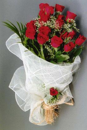 10 adet kirmizi güllerden buket çiçegi  Kırşehir kaliteli taze ve ucuz çiçekler
