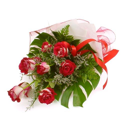 çiçek gönder 7 adet kirmizi gül buketi  Kırşehir çiçek servisi , çiçekçi adresleri