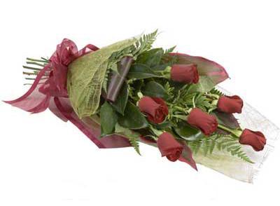 ucuz çiçek siparisi 6 adet kirmizi gül buket  Kırşehir hediye çiçek yolla