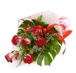 Çiçek gönder 9 adet kirmizi gül buketi  Kırşehir çiçekçiler