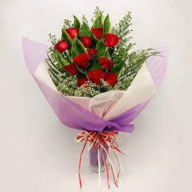 çiçekçi dükkanindan 11 adet gül buket  Kırşehir ucuz çiçek gönder