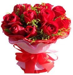 9 adet kirmizi güllerden kipkirmizi buket  Kırşehir çiçek siparişi sitesi