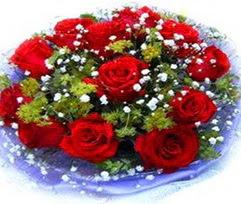 9 adet kirmizi güllerden buket  Kırşehir çiçek yolla
