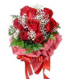 9 adet en kaliteli gülden kirmizi buket  Kırşehir hediye sevgilime hediye çiçek