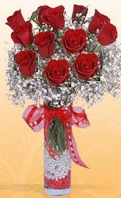 10 adet kirmizi gülden vazo tanzimi  Kırşehir hediye çiçek yolla