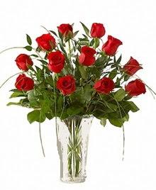 cam yada mika vazo içerisinde 9 kirmizi gül  Kırşehir hediye çiçek yolla
