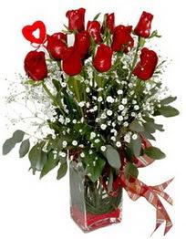 Kırşehir çiçekçiler  9 adet mika yada cam vazoda gül tanzimi kalp çubuk