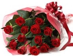 Kırşehir uluslararası çiçek gönderme  10 adet kipkirmizi güllerden buket tanzimi