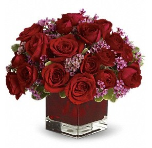 11 adet kırmızı gül vazosu  Kırşehir çiçek siparişi sitesi