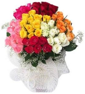 Kırşehir çiçek yolla  51 adet farklı renklerde gül buketi