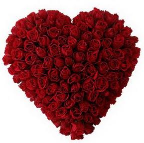 Kırşehir ucuz çiçek gönder  muhteşem kırmızı güllerden kalp çiçeği