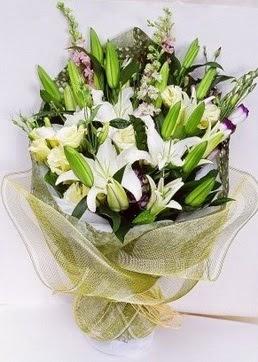 Kırşehir hediye sevgilime hediye çiçek  3 adet kazablankalardan görsel buket çiçeği