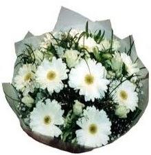 Eşime sevgilime en güzel hediye  Kırşehir 14 şubat sevgililer günü çiçek