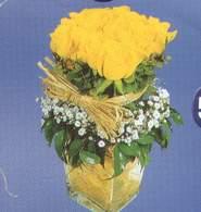Kırşehir uluslararası çiçek gönderme  Cam vazoda 9 Sari gül
