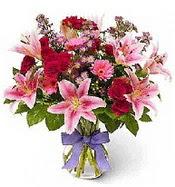 Vazo içerisinde karışık mevsim çiçeği  Kırşehir hediye çiçek yolla