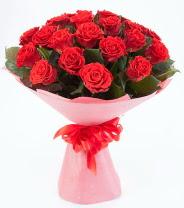 12 adet kırmızı gül buketi  Kırşehir hediye çiçek yolla