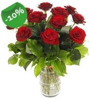 11 adet vazo içerisinde kırmızı gül  Kırşehir internetten çiçek siparişi