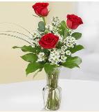 Vazo içerisinde 3 adet kırmızı gül  Kırşehir çiçek gönderme